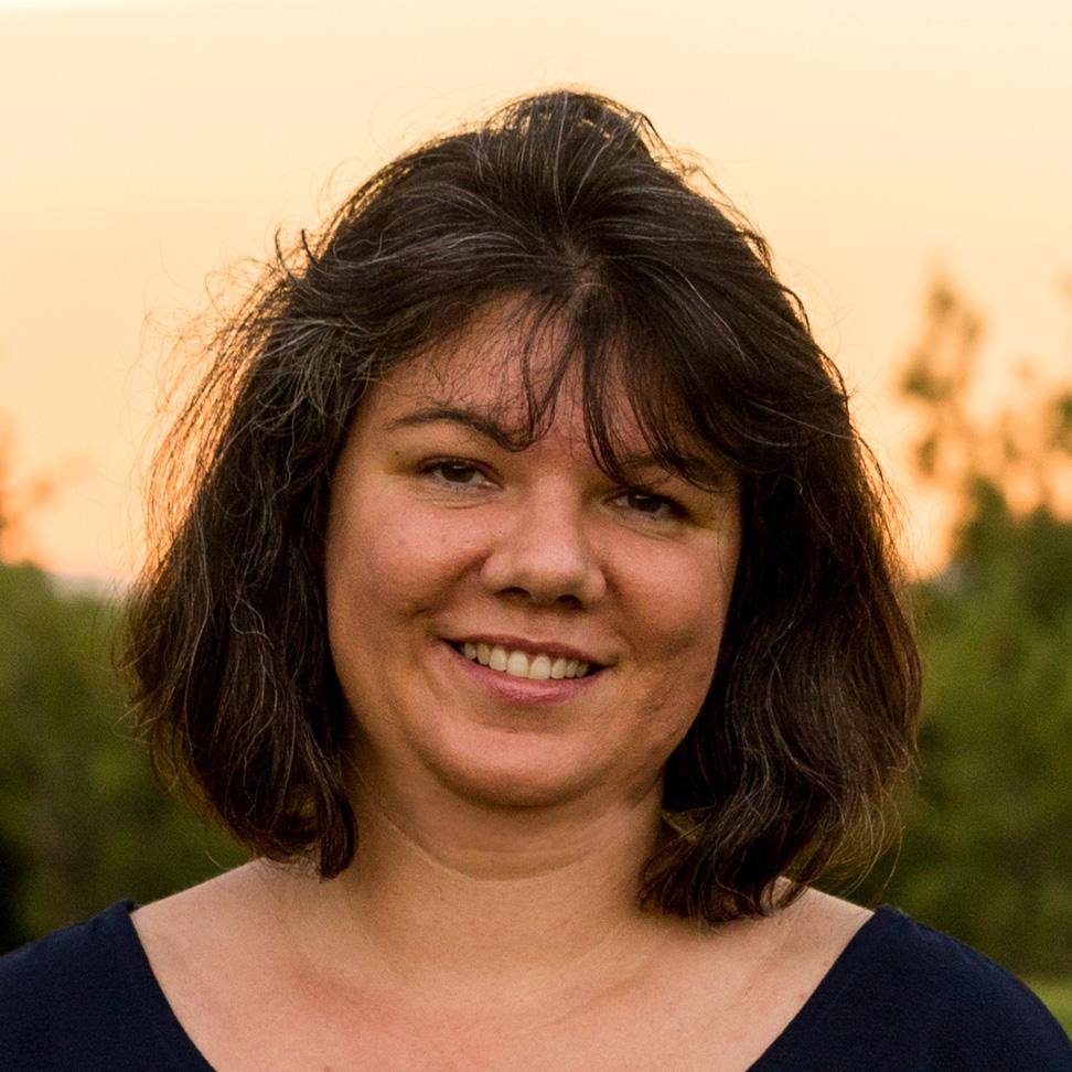 GUZMAN Sandrine Directrice Administratif, Financier et Informatique